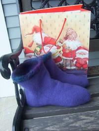 Periwinkle_fuzzy_feet