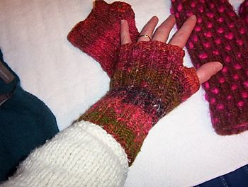 Wrist Warmers (Fingerless Mitts)