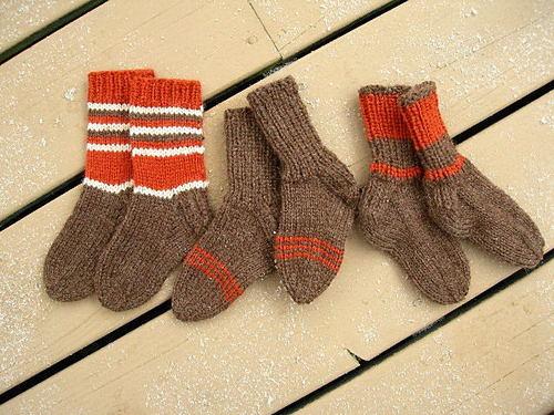 3 pairs of kids' socks for Dulaan